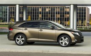 2011 Toyota Venza AWD First Drive - Motor Trend