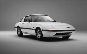 1979-1985 Mazda RX-7 Buyer's Guide - Motor Trend Classic