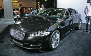 2011 Jaguar XJ First Ride - Motor Trend