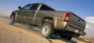 2001 Chevrolet Silverado Heavy Duty Transmission, Engine, & Towing Review - 2001 Truck of the Year - Motor Trend