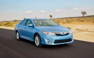 2012 Toyota Camry Hybrid XLE First Test - Motor Trend