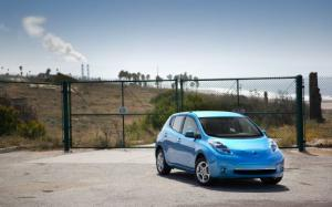 Why Yes, a Fully Charged Nissan Leaf Can Go 87 Miles with Range to Spare