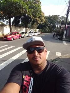 Crime aconteceu em Cidade Pomar. Segundo testemunhas, o instrutor tinha ido a um churrasco com familiares, mas acabou morto enquanto conversava com amigos na Serra