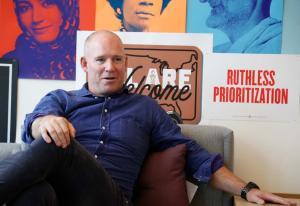 Facebook feirer ett år i Norge: - Vi er ingen trussel   Kampanje