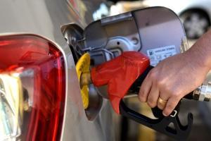 Combustível com padrão europeu, que é mais caro e promete melhor desempenho, passou a ser obrigatório nesta segunda. Mas postos ainda têm prazo para renovarem estoque