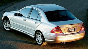 2004 Audi S4 vs 2003 Mercedes-Benz C32 AMG - Sports Car Comparison - Motor Trend