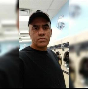 Jacy Donato viveu quase dois anos no exterior, quando era vice-prefeito de Água Doce do Norte, e só voltou ao país com a evolução do quadro de saúde do então prefeito, que morreu vítima da Covid-19