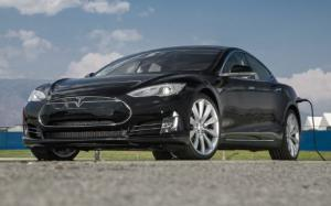 Tesla Model S Prices Bumped by $2500 to $59,900, Battery Replacement Costs $8000-$12,000