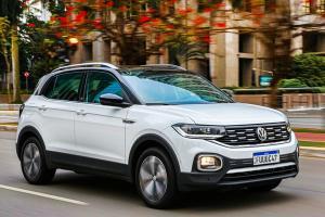 A linha 2021 do veículo vem equipada com a central VW Play como item de série em todas as versões