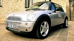 2002 Mini Cooper - Exterior, Options & Price - First Drive & Road Test Review - Motor Trend