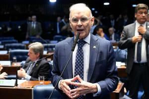 Arolde era aliado do presidente Jair Bolsonaro e foi internado após contrair Covid-19, ainda em setembro. Família divulgou nota informando que a doença foi a causa da morte
