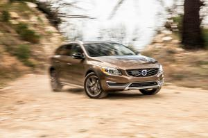2015 Volvo V60 Cross Country First Test - Motor Trend