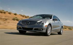 2010 Mercedes-Benz E350 Coupe First Test - Merceces E-Class Coupe review - Motor Trend