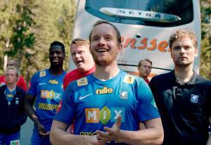 Heimebane-skuespillere vil ha ny sesong: - Jeg er trygg på at historien lever fint videre hos andre enn NRK