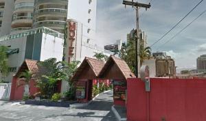 A imissão de posse foi entregue pelos oficiais de justiça da 1a Vara da Fazenda Municipal de Vila Velha ao prefeito Max Filho. Antigo Chalé Motel será demolido para criação de novo trecho da rua Belo Horizonte, que interligará avenidas do bairro