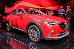 2016 Mazda CX-3 First Look - Motor Trend