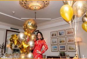 A médica Camila Fiorot reuniu 24 amigas do ES para comemorar seu aniversário com jantar no Cipriani e pool party, no hotel icônico do Rio de Janeiro