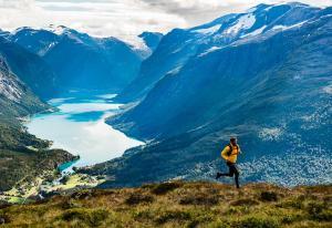 Har brukt fem år på å lage en merkevare av Norge – nå slutter hun som merkevaresjef i Innovasjon Norge   Kampanje