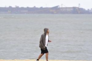 Além da chuva, o capixaba teve de lidar com baixas temperaturas no sábado (01) e domingo (02) e a mínima foi registrada na madrugada desta segunda-feira (03). Na Capital, a mínima foi de 16 °C, segundo o Incaper