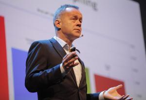 DN-sjefen kutter og forbereder seg på bikkjeslagsmål på nett – spår tøft annonsemarked også i 2020 | Kampanje