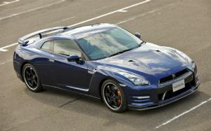 First Drive: 2013 Nissan GT-R Track Pack Japanese Spec - Motor Trend