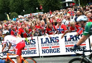Dro norsk laks opp av omdømme-søla | Kampanje