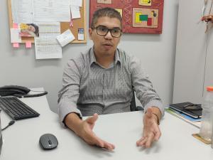 O professor e pesquisador Ananias Francisco Dias Junior promove pesquisas e projetos de sustentabilidade para levar a ciência dos laboratórios para a vida cotidiana