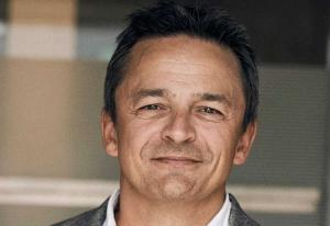 Byrågigant nærmer seg 1,5 milliarder i omsetning – nå kjøper Høgebøl svensk konsulentselskap