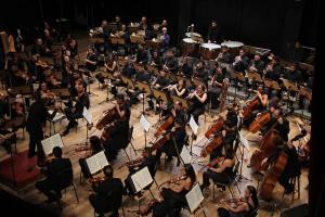 Composta pelo maestro Helder Trefzger, peça clássica usa acordes e artifícios da música para demonstrar indignação por pandemia e celebrar curados da Covid-19