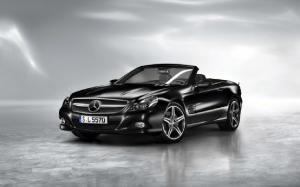 2011 Mercedes-Benz SL550 Night Edition Photo Gallery - Motor Trend
