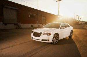 2013 Chrysler 300S Long-Term Update 3 - Motor Trend