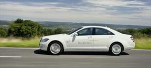 2010 Mercedes-Benz S400 BlueHybrid First Drive - Motor Trend