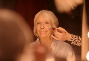 Bestemor Trulte blir julefresh i Zalandos første norske reklame