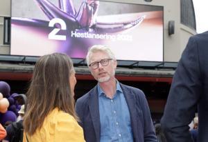 TV 2 vil ikke slippe ansatte løs på kontoret - Schibsted og Discovery åpner opp