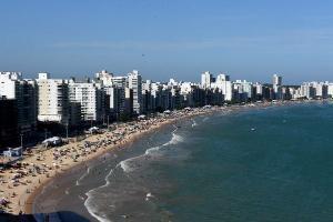 Referência em praias, sol e biodiversidade marítima, a cidade tem espaço para se firmar como um polo de saúde, com hospitais e clínicas