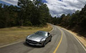 2011 Mercedes-Benz SLS AMG tackles the Carrera Panamericana in Mexico - Motor Trend