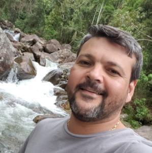 Na próxima sexta-feira (07), o assassinato do também assessor parlamentar do deputado estadual Capitão Assumção completa um mês. Ele foi morto a tiros quando estava em uma padaria do bairro Itapuã, em Vila Velha