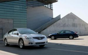 Toyota Camry, Nissan Altima Sales Soar, While CR-V is Honda's Sole Bright Spot