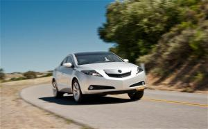 2010 Acura ZDX Arrival - Motor Trend