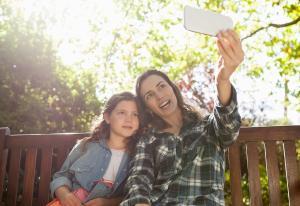 Medietilsynet: Halvparten av barna mener foreldre har lagt ut bilder av dem uten å spørre