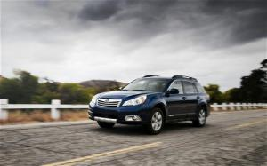 2010 Subaru Outback 2.5i Limited Long Term Test Arrival - Motor Trend