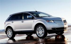 2011 Lincoln MKX AWD Interior - Motor Trend