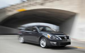 2013 Nissan Altima 2.5 SL First Test - Motor Trend