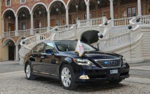 Lexus LS 600h L Appointed for The Other Royal Wedding
