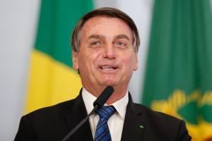 O constituinte e o legislador, na Lei n° 13979/2020, optaram pela obrigatoriedade vacinal no Brasil e, enquanto isso não for revogado, é o que vige no Brasil