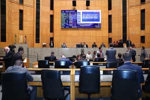 Oposição sustenta que governador orientou que sessão fosse esvaziada para evitar críticas após ataques a avenidas de Vitória na última sexta-feira