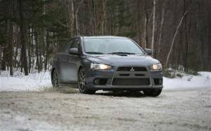 2010 Mitsubishi Lancer Sportback Ralliart and 2010 Mitsubishi Lancer Evolution MR Touring Snow Drive - Motor Trend