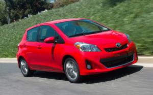 2012 Toyota Yaris Photo Gallery - Motor Trend