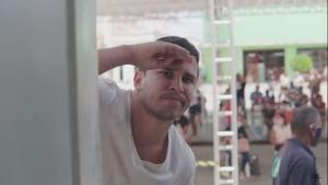 Em 'Jéssica', Lucas Guimarães vive um brasileiro que espera o auxílio emergencial cair na conta para namorar sua amada. Canção está disponível em todas as plataformas digitais