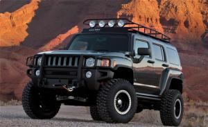 2009 SEMA: Hummer H3 Concept Duo Joins Off-Road Racers on the Floor